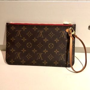 AUTHENTIC Louis Vuitton Neverfull Wristlet